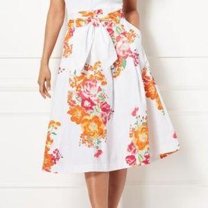 Eva Mendes in Women skirts